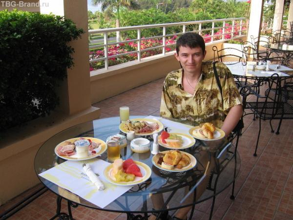 На завтраке