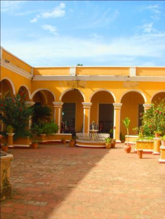 Тринидад. Муниципальный городской музей. Внутренний двор и патио