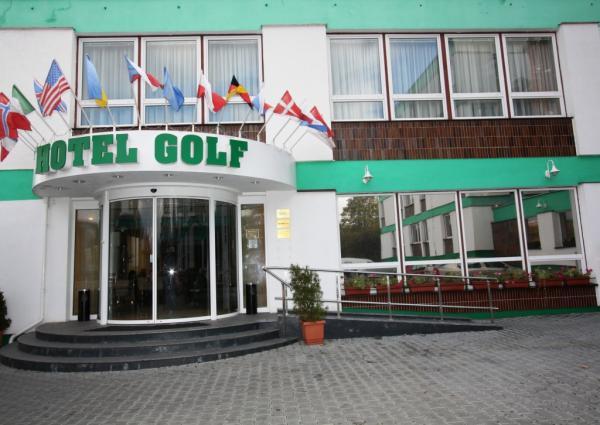 Golf 3* (Прага)