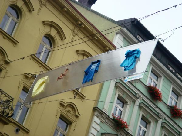 Наружная реклама на улицах Праги