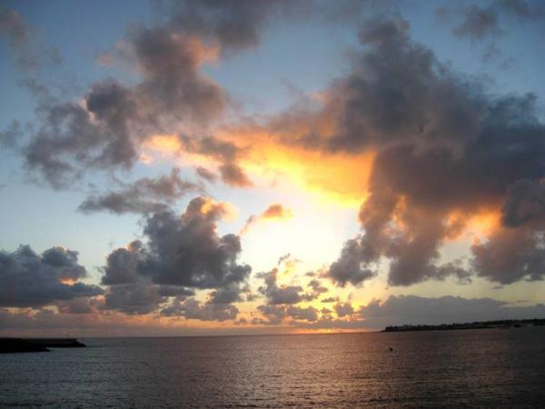 Закат над островом