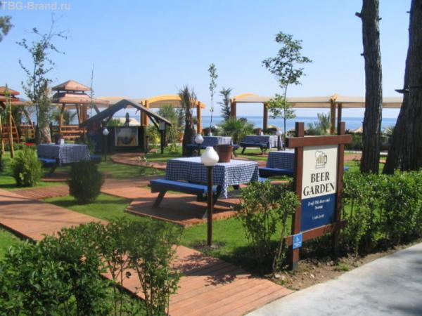 Пивной садик отеля Amara Wing Resort
