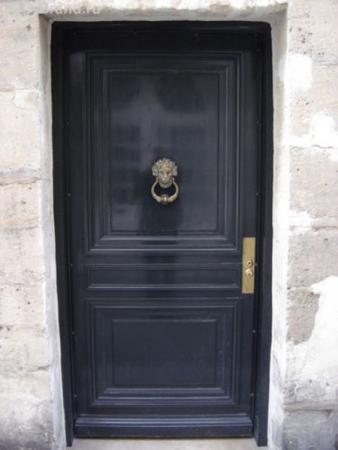 Потайная дверь...