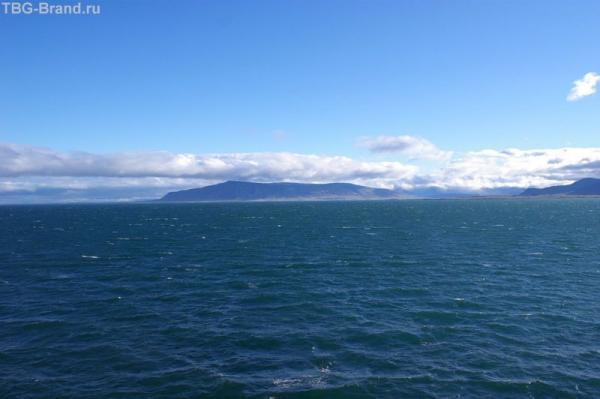 Справа по борту - Исландия