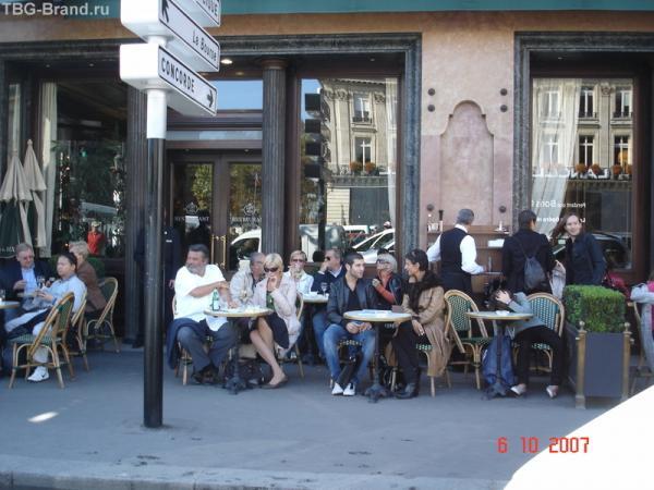 столики на улицах