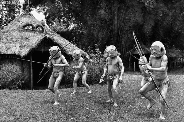 """Племя """"MUD-man""""(Глиняные люди)."""