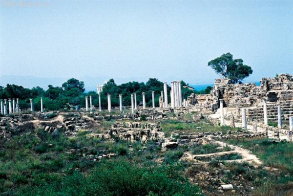Саламис. Гимназия