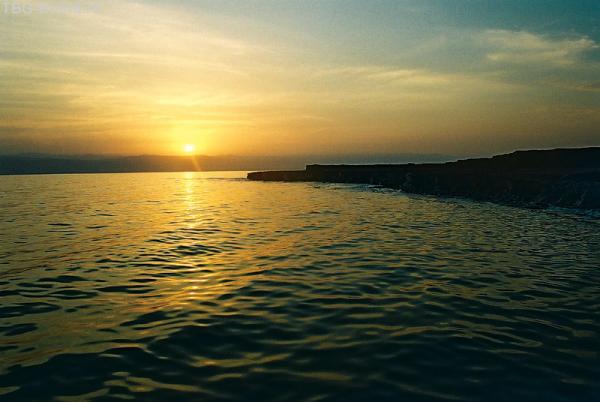 Мертвое море вечером