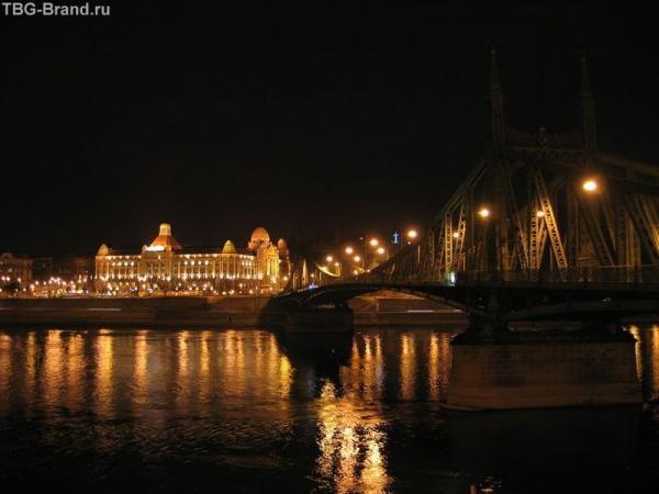 Будапешт. Купальни Гелерта и мост Эржбет