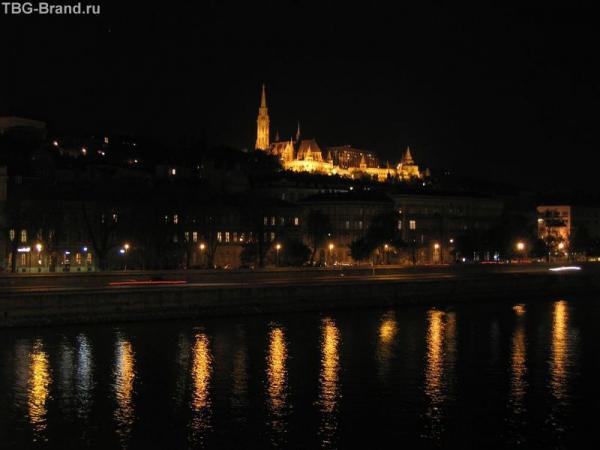 Будапешт. Вид на Базилику Святого Матиаша и Рыбацкий бастион