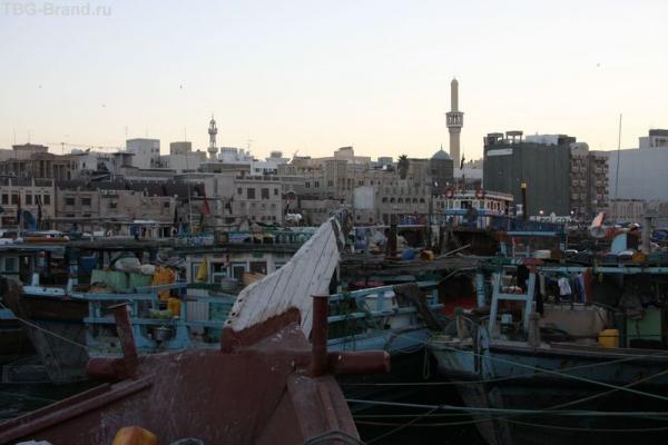 ОАЭ. Дубай. У берега бухты Крик