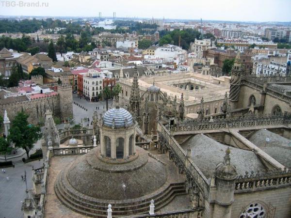 Испания. Севилья. Вид на город со смотровой площадки Хиральды