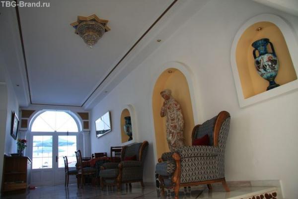 Греция. о.Санторини. Перисса. Отель Black Sandy Beach
