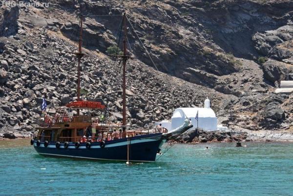 Греция. о. Санторини. Морская прогулка на загадочный вулкан. Горячие источники у Пале Камени