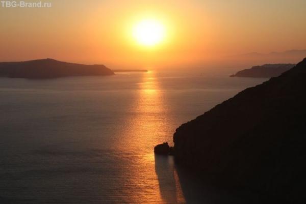 Греция. о. Санторини. Закат вФиростефани
