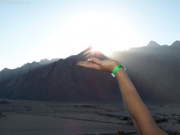 закат солнца в деревне бедуинов