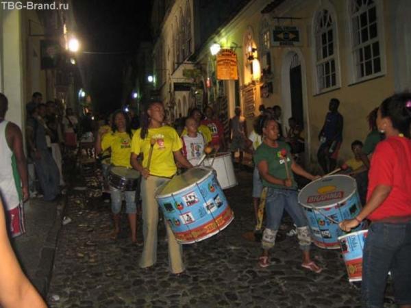 Шоу барабанов в г.Сальвадор
