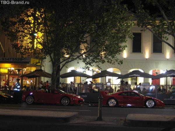 место, в ресторане Мельбурна