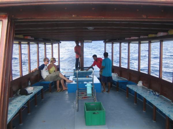Болек и Стыся на лодке