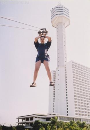 Геройский прыжок с самой высокой башни
