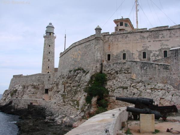 600 летняя крепость с маяком