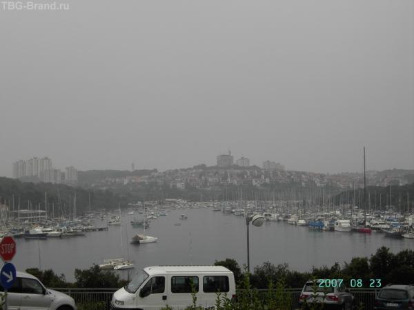 Вид от отеля Истрия на марину и Пулу