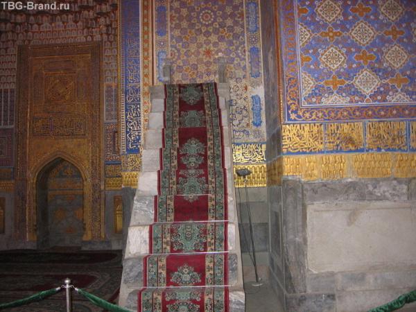 Лестница в медресе