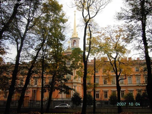 Михайловский замок за Садовой