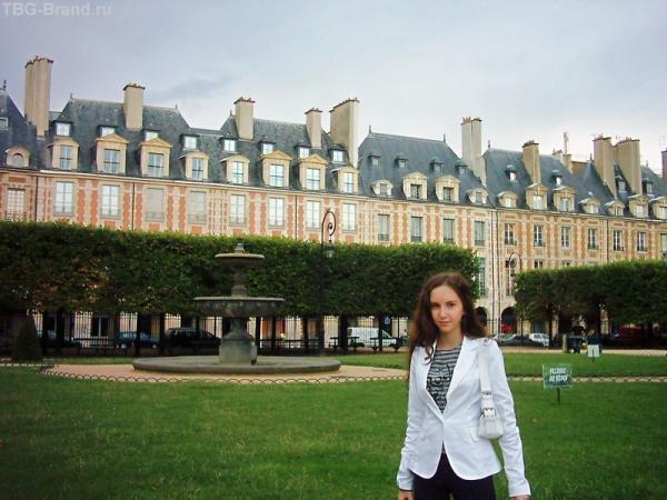 Площадь Вогезов, где мы безуспешно искали Бастилию