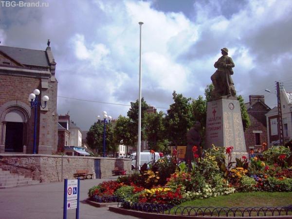Военный памятник в Параме