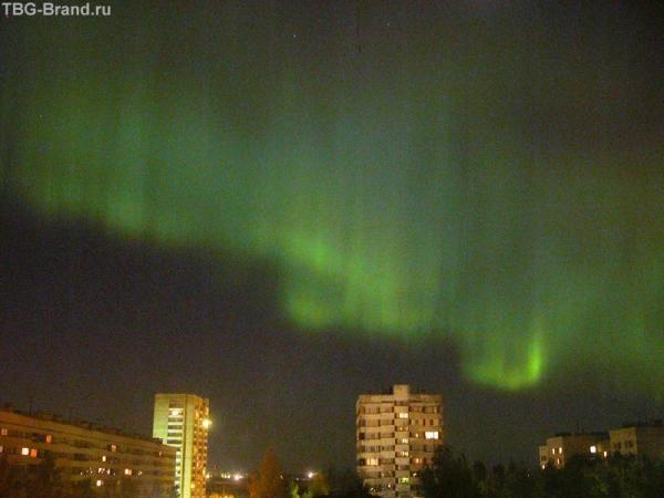 Северное сияние в Петербурге (фото с http://www.enlight.ru/camera/news/list_pic.html  )