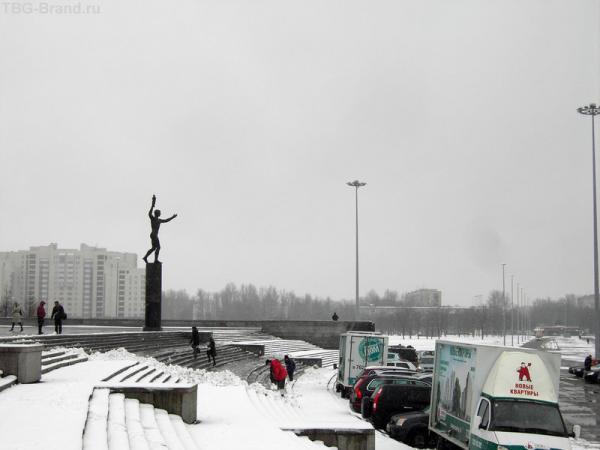 Памятник Олимпийскому огню, который прибежит в Питер дней через 10 :)