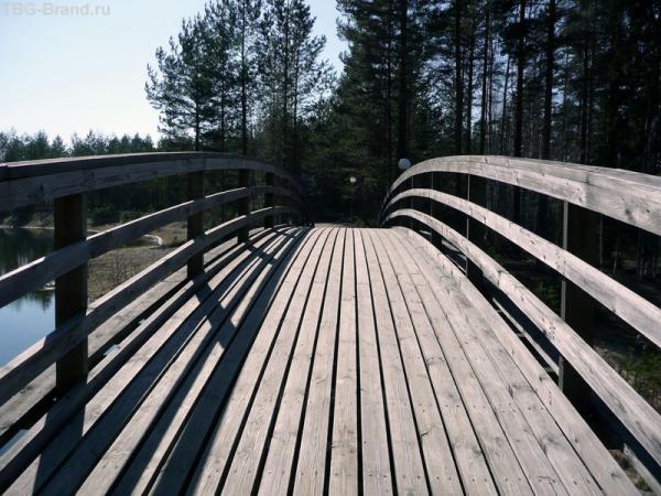 Крутобокий мостик.