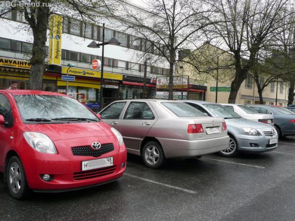 Фотография на конкурс. Питер в Лаппееранте. Все автомобили с номерами 98 региона.