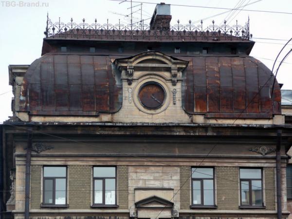 дом 22-24  - дом при Никольской единоверческой церкви со стороны Кузнечного переулка
