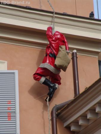 Санта Дед на Испанской лестнице