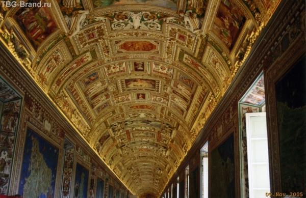 Галереи музеев Ватикана. Роспись потолка... И так везде...