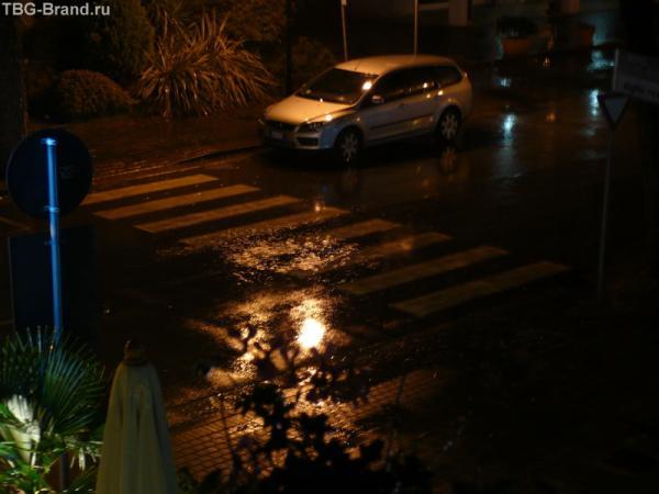 Ночь. Дождь