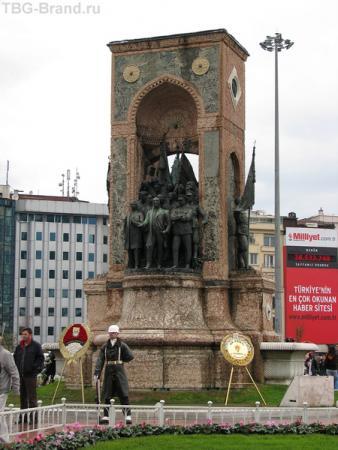 На площади Таксим