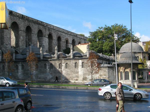 Римский акведук.