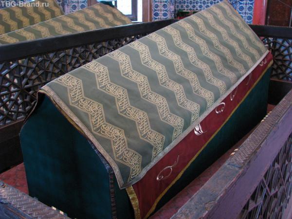 В гробнице султанов.