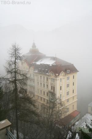 Крупнейший, шикарнейший и прочая отель Бад Гаштайна. Вид с балкончика.