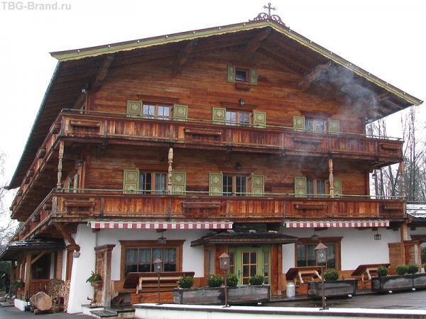 Отель в стиле альпийского шале, а может, охотничьего домика ?