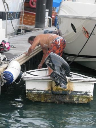 """""""Абердин"""" - рыбацкое поселение на воде. Самое жуткое, что довелось наблюдать в Китае."""