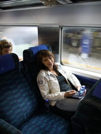 На поезде - в Гуанчжоу.