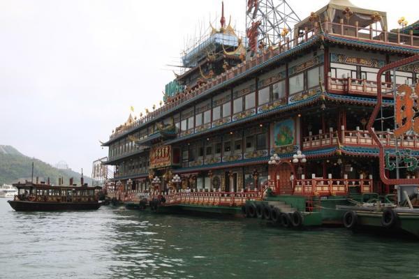 """Самый большой в мире ресторан на воде - """"Джамбо"""""""