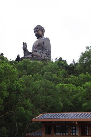 И вот Будда уж рядом.
