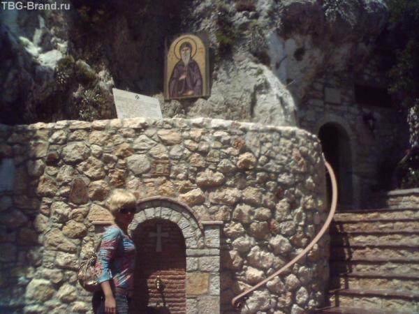 монастырь Св Потапия в Лутраках