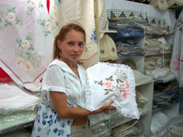 Ручная вышивка невероятно красивая!