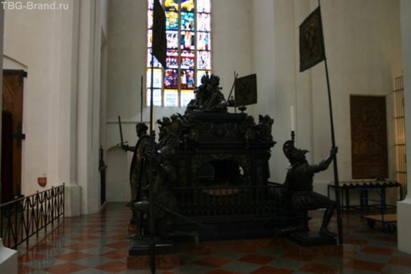Гробница кайзера Людвига IV Баварского